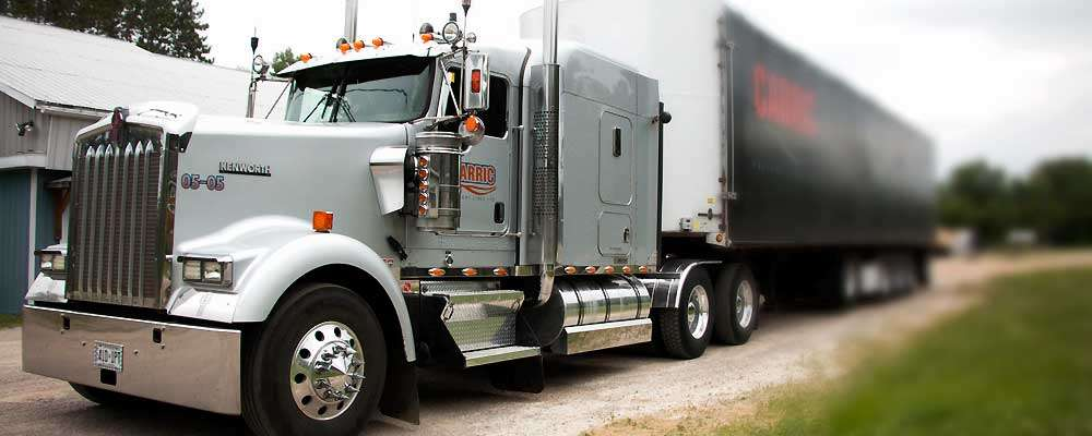 Heavy-spec 2005 Kenworth W900L with pre-emissions Cat C15 engine